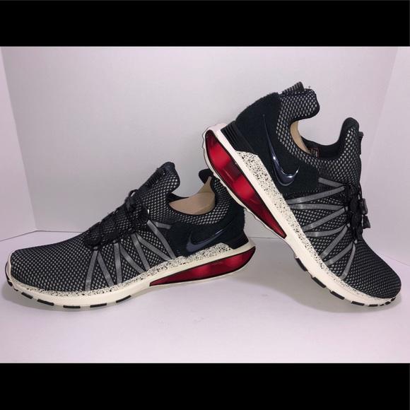 d42a7227f573d7 Nike Shox Gravity
